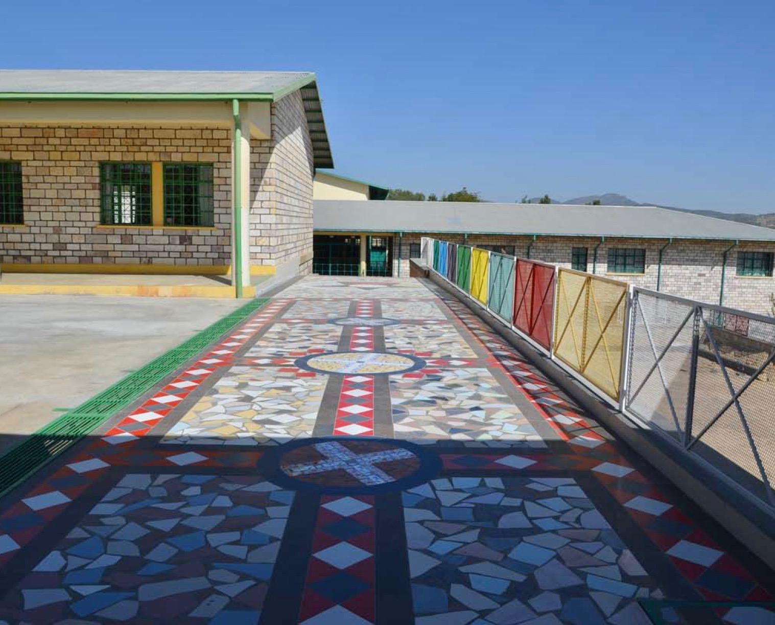Linfinito mosaico in etiopia e sierra leone banco building
