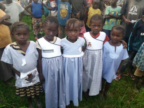 Grembiulini per Congo e Guinea