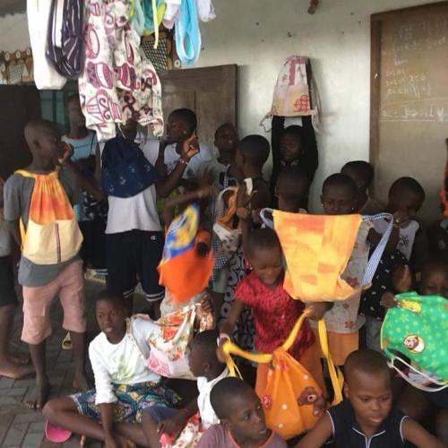 Zainetti per Congo e Guinea
